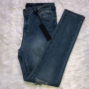 LALA ANTHONY slim-fit distressed jeans NWT
